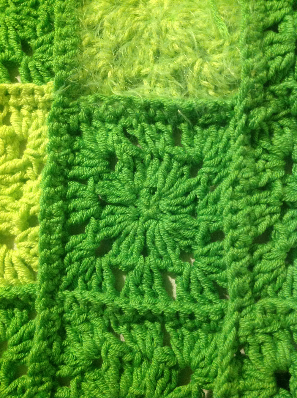Granny Square Detail aus:  Lana Grossa Elastico und Lana Grossa Estivo