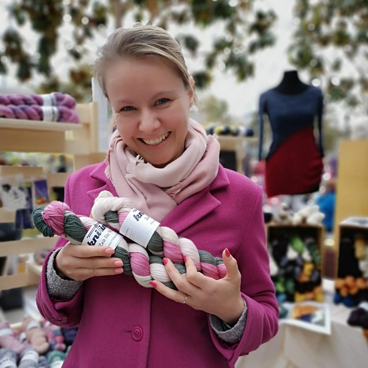 HeaderBild Fünf Ausreden für den Kaufrausch auf einem Wollmarkt