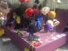 Filzhüte, Blüten, Taschen und Schmuck