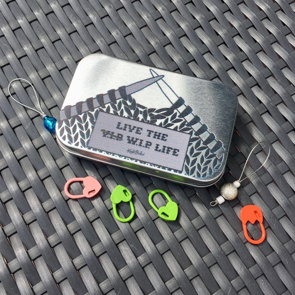 Metalldose WIP mit Klappdeckel - dekoriert mit Maschenmarkierern
